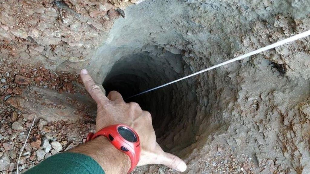 El enigma: por qué el pozo no estaba sellado o tapado con piedras