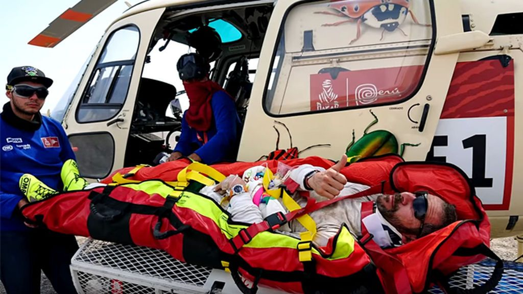 """El accidente desde dentro de Jesús Calleja que obligó a su copiloto a ser evacuado en helicóptero: """"Tengo claro que volveré al Dakar"""""""