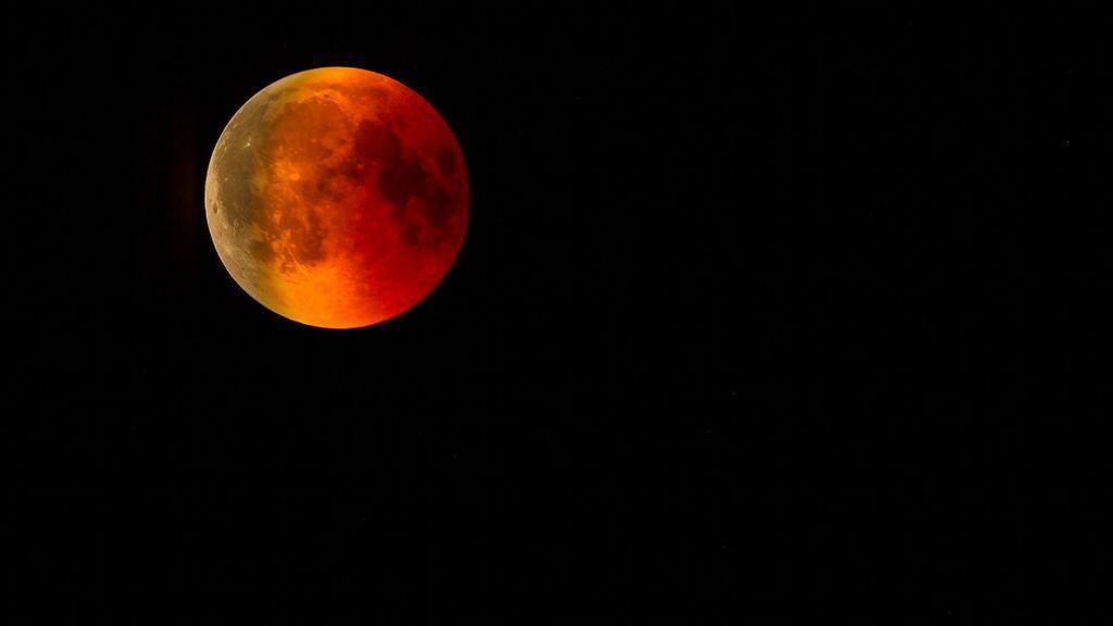 El 21 de enero habrá un eclipse total de luna, la 'superluna de sangre de lobo'