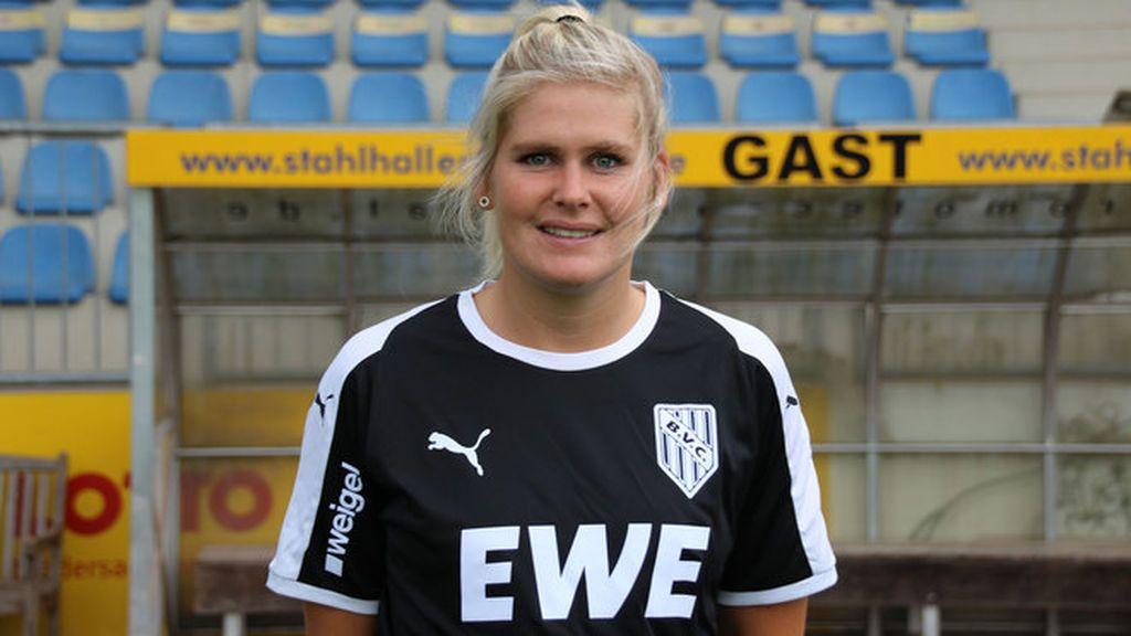 """La irónica respuesta de una entrenadora alemana cansada de preguntas machistas: """"Elijo a mis jugadores por el tamaño de su pene"""""""