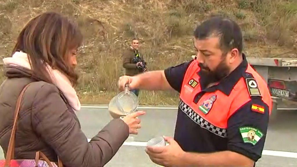 Los vecinos de Totalán, volcados en la ayuda a los efectivos que trabajan para rescatar a Julen