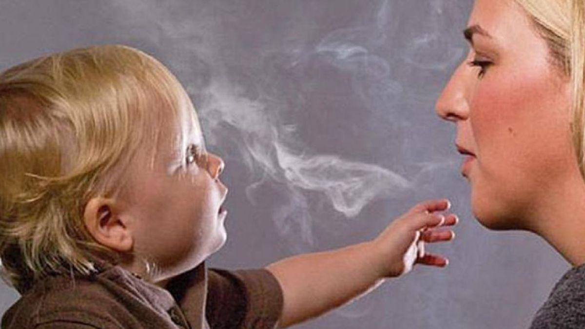 Tres de cada diez niños españoles está expuesto al humo en casa y en el coche (y sí, es un riesgo)