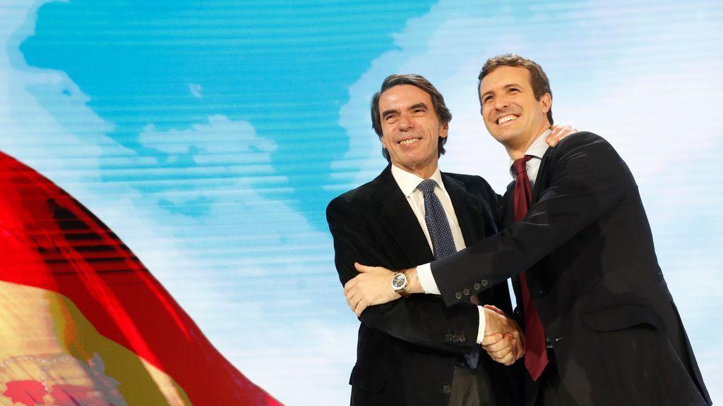 Casado brinda un gran recibimiento a Aznar en su regreso a una Convención Nacional del PP