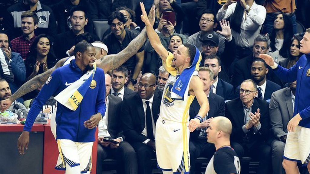 El canastón de Curry que enloquece a los seguidores de la NBA