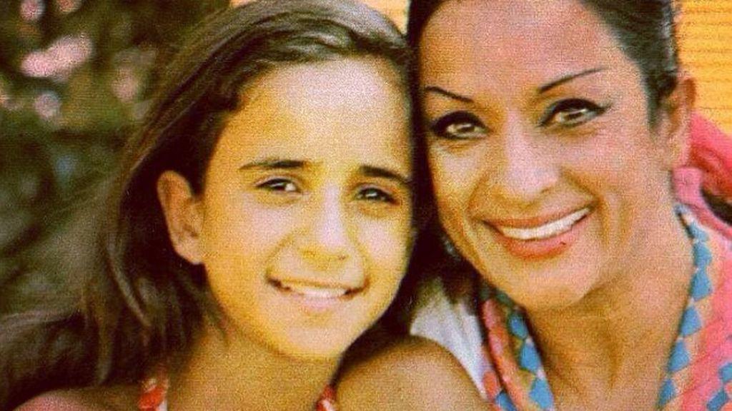 Rosario Flores recuerda a su madre con un emocionante vídeo-homenaje