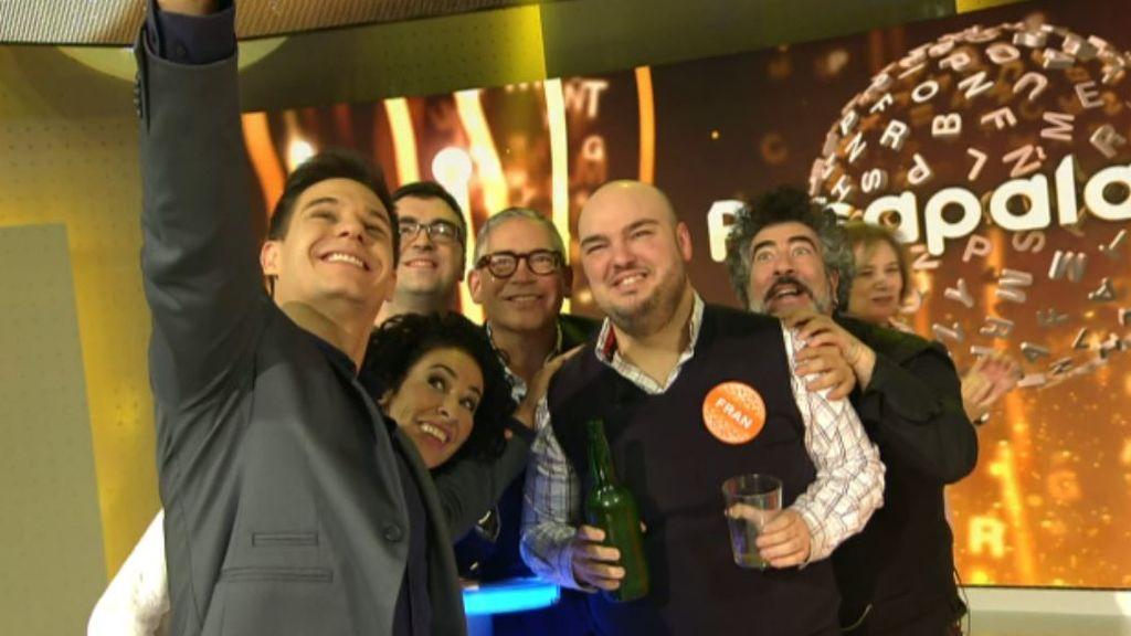 Foto del presentador, concursantes y colaboradores de 'Pasapalabra'.