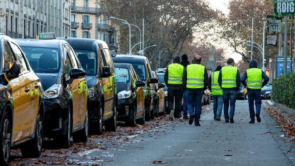 Huelga de taxistas en Barcelona: Ya son 80 los vehículos VTC dañados