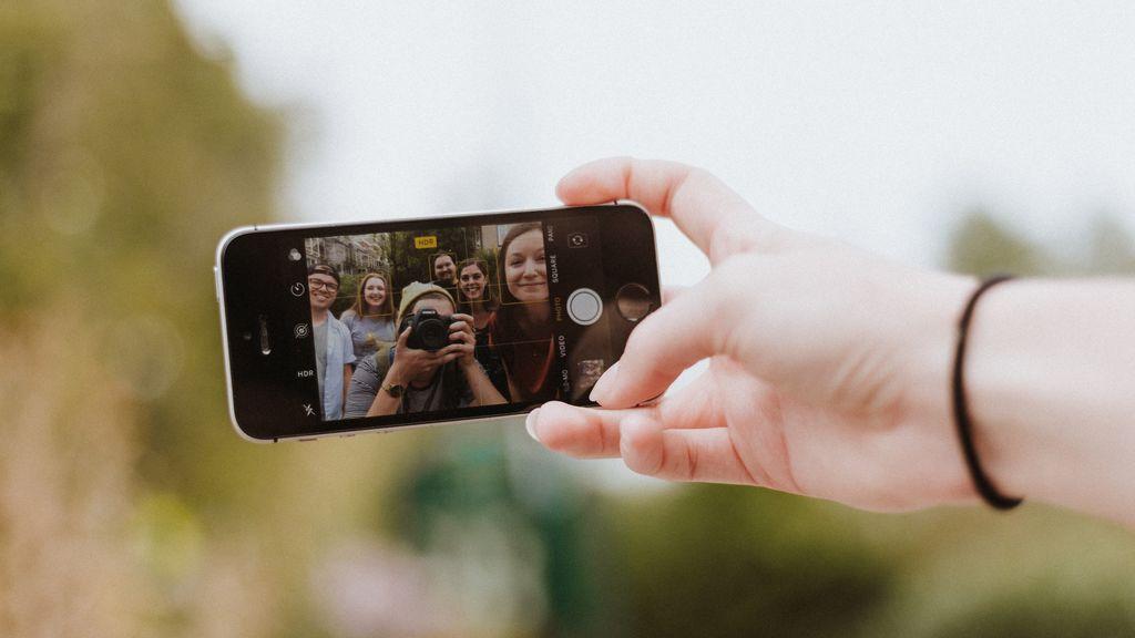 Más del 90% de adolescentes españoles tiene perfil propio en redes sociales y las usan para sentirse integrados