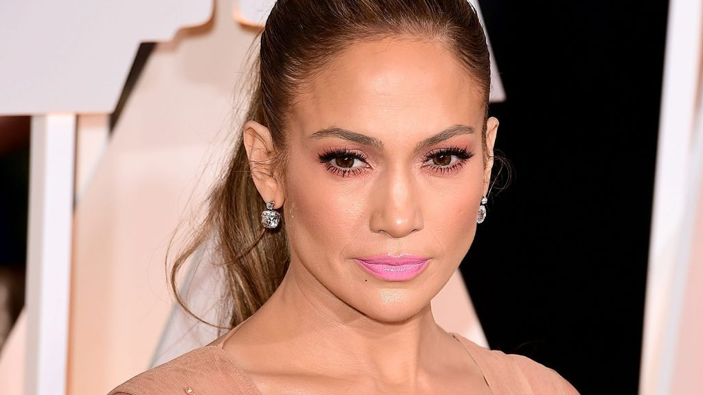 """El alegato #nomakeup de Jennifer López al posar sin maquillar: """"Me quiero como soy"""""""
