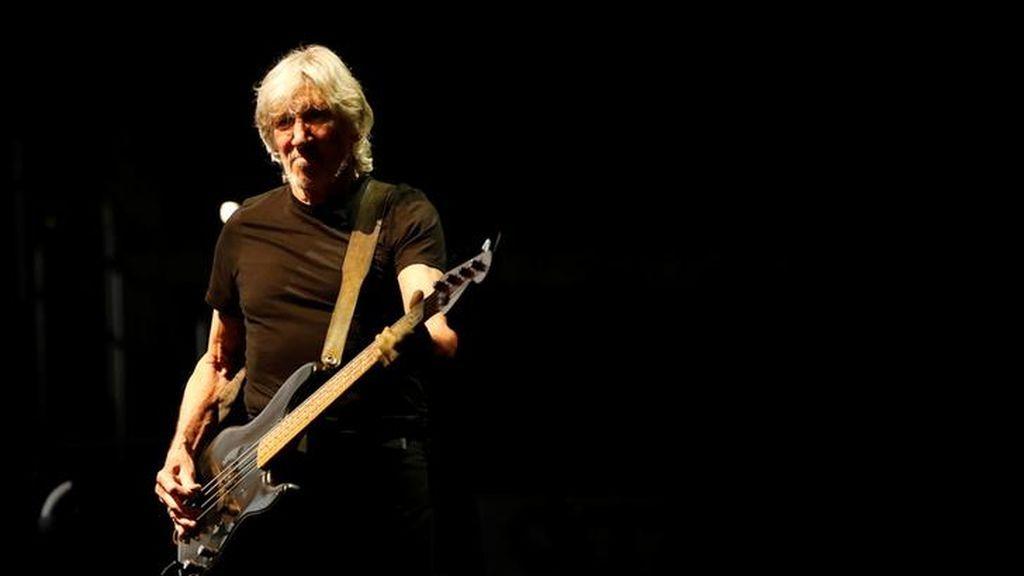 Roger Waters reúne a una madre y a sus dos hijos separados con su jet privado