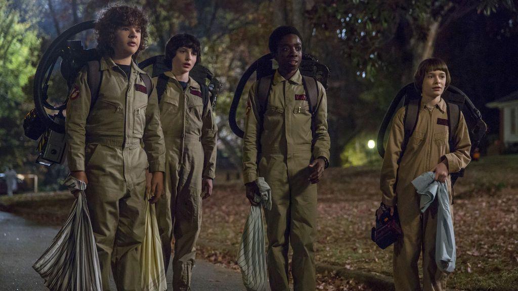 Gaten Matarazzo, Finn Wolfhard, Caleb McLaughlin y Noah Schnapp, en la segunda temporada de 'Stranger things'.