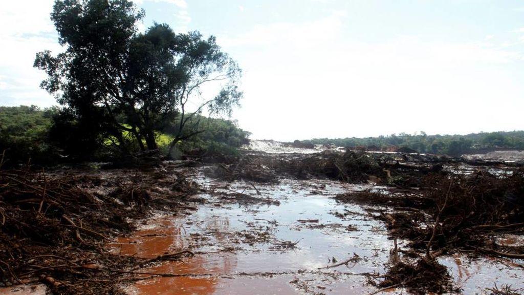 Tragedia en Brasil: el colapso de una represa en una mina deja 7 muertos y 150 desaparecidos
