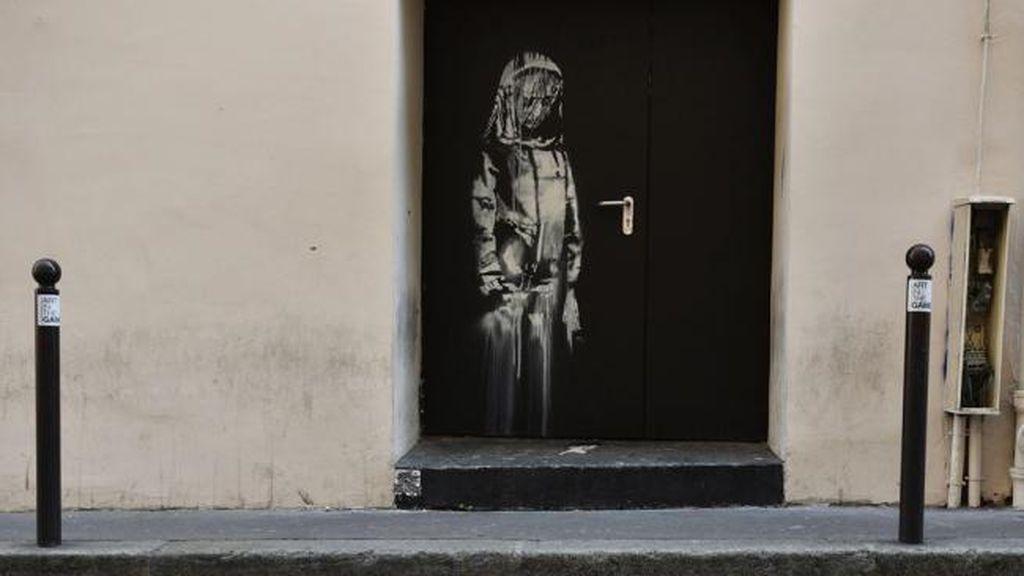 Roban un mural de Banksy pintado en el teatro Bataclan de París