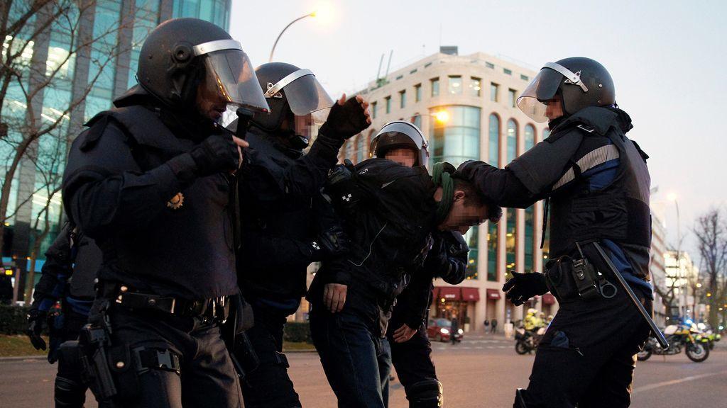 """El Gobierno de Madrid justifica el desalojo de los taxistas: el """"derecho de huelga es excesivo en la pretensión de colapsar la ciudad"""""""