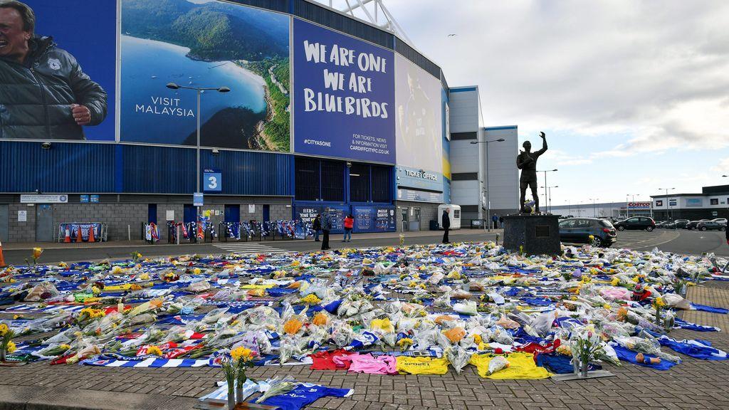 """El entrenador del Cardiff, destrozado por la desaparición de Emiliano Sala: """"No puedo manejar la situación"""""""