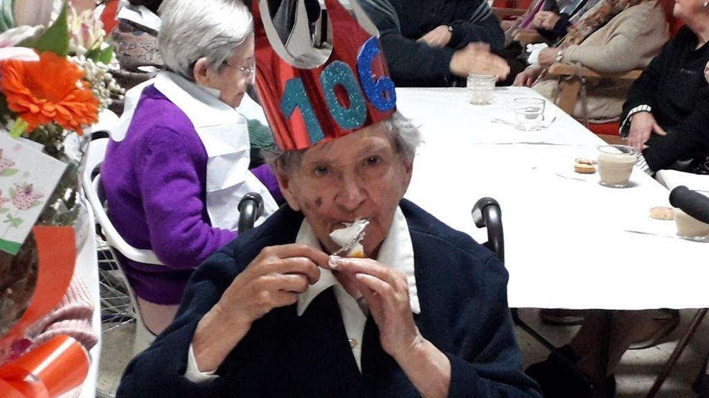 Una bilbaína llega a los 106 años y dice que su secreto es no haberse casadob