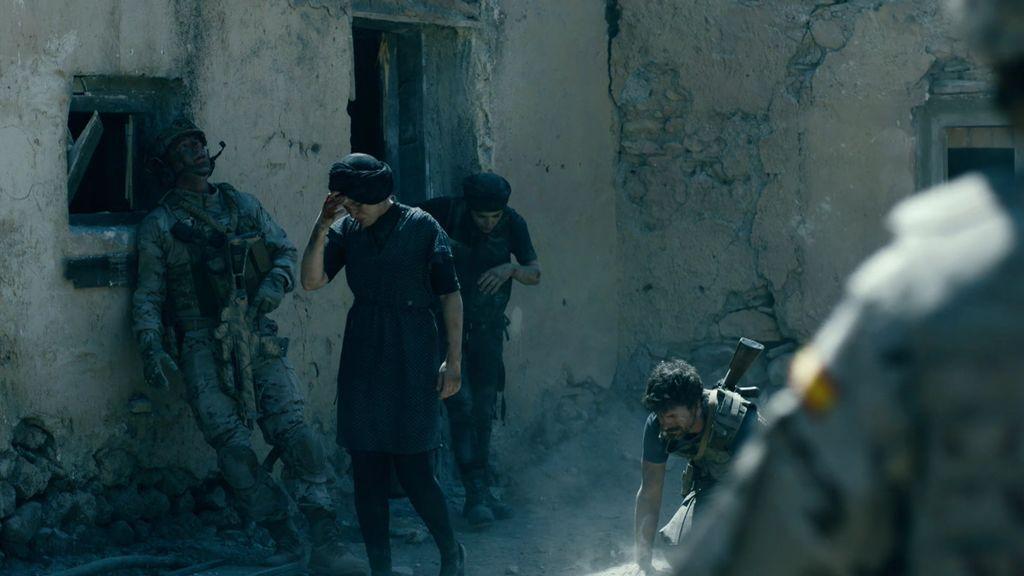 Martina, Carlos, Montse y el resto de la brigada logran sobrevivir al ataque de un misil