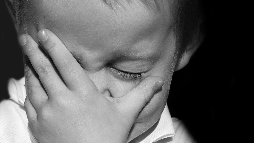 Hombre se quejó de los llantos de una bebé y padre le dio reflexiva lección