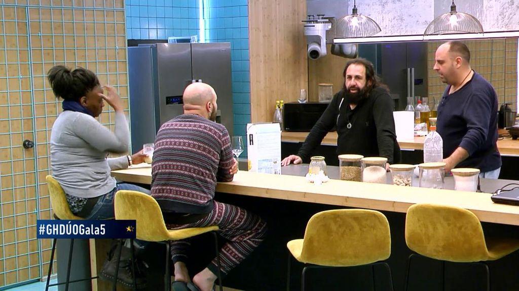 """Kiko flipa con Juanmi: """"¡Tío, que Jesucristo fue a su casa, llamó al timbre y se tomó un café con él!"""""""