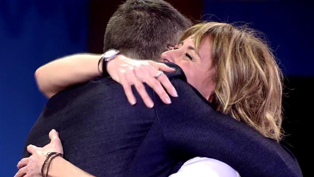 El abrazo de Emma y Risto: él le pide disculpas por sus errores del pasado