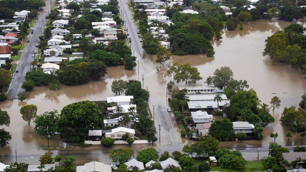 Cocodrilos y serpientes pasean por las calles tras las inundaciones en Australia