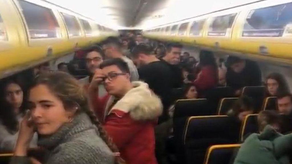 El infierno que 200 pasajeros vivieron en un avión de Ryanair