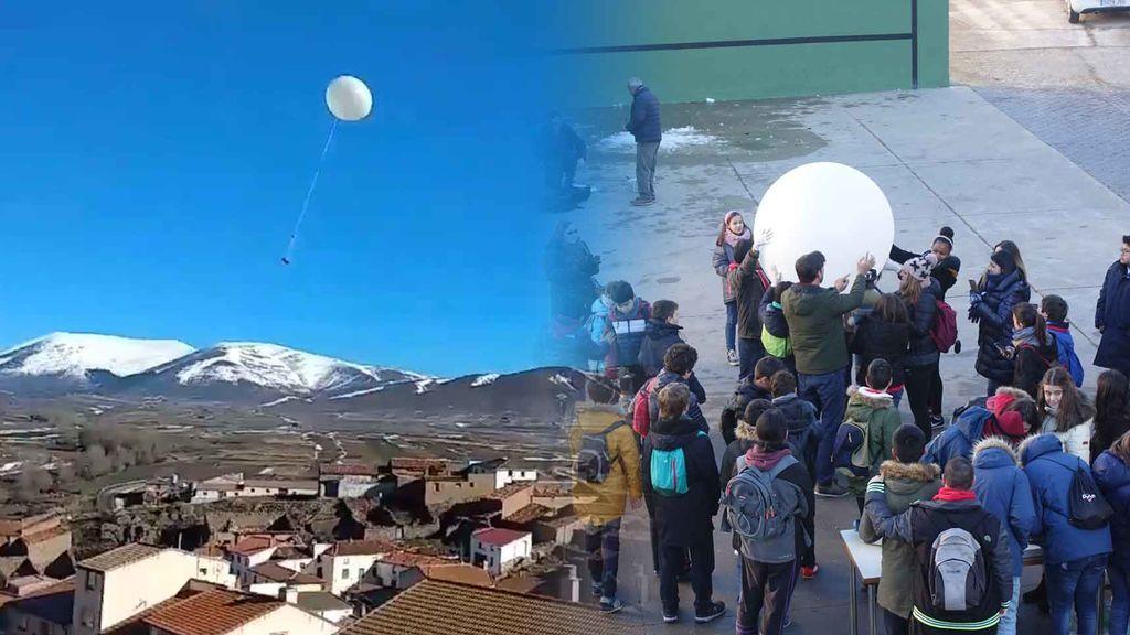 Astrofísicos por un día: un grupo de chavales fabrica y lanza globos sonda para investigar el aire
