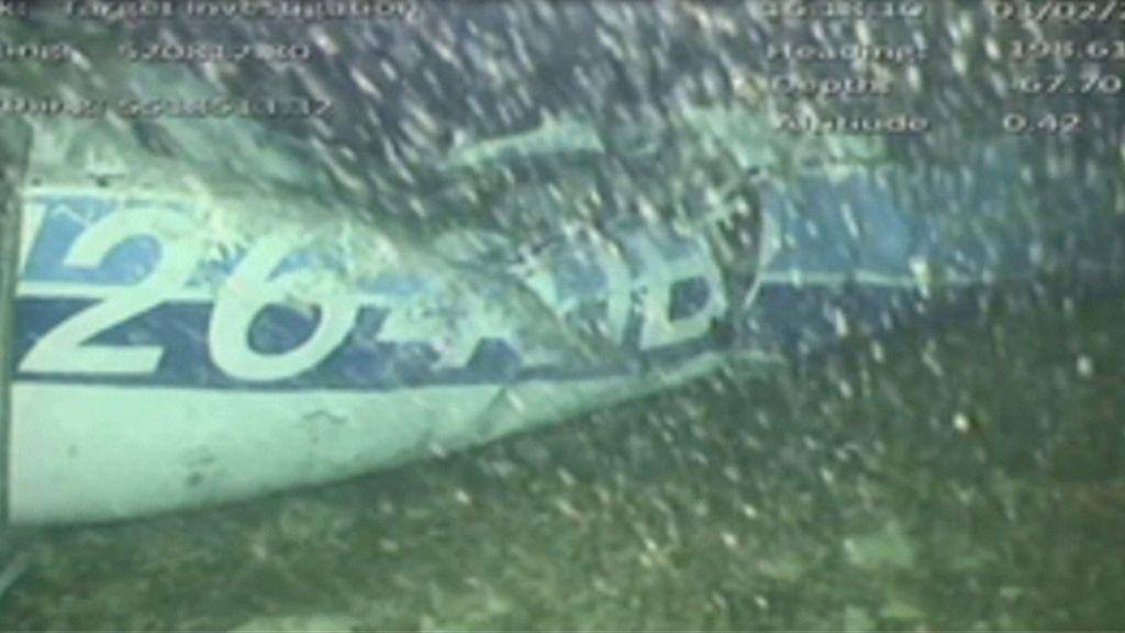 Rescatan el cuerpo encontrado en el avión de Emiliano Sala pero dan por imposible recuperar la aeronave