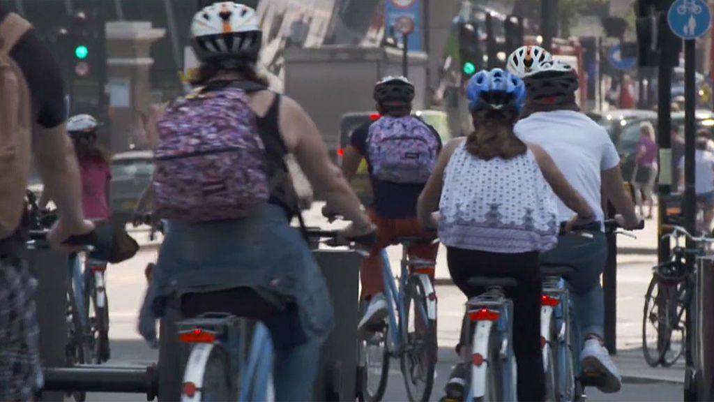 La chaqueta inteligente para ciclistas que aún no se vende: cómo es y qué ventajas tiene