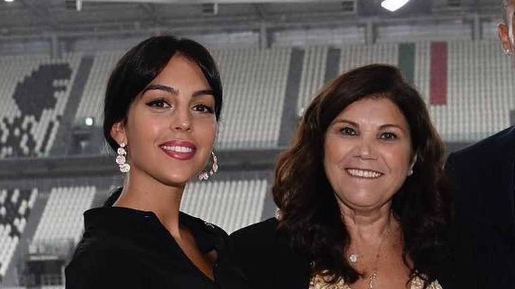 """Dolores Aveiro habla de su relación con Georgina: """"La quiero muchísimo. En estos duros momentos quiero que mi familia esté bien"""""""