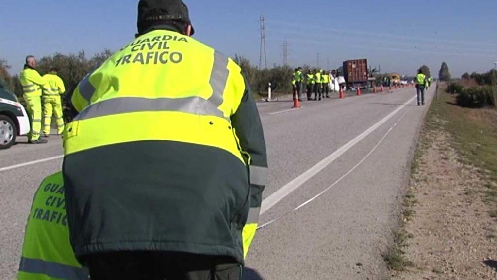 Investigan si el conductor del camión del accidente de Sevilla en el que murieron cinco personar invadió el carril contrario