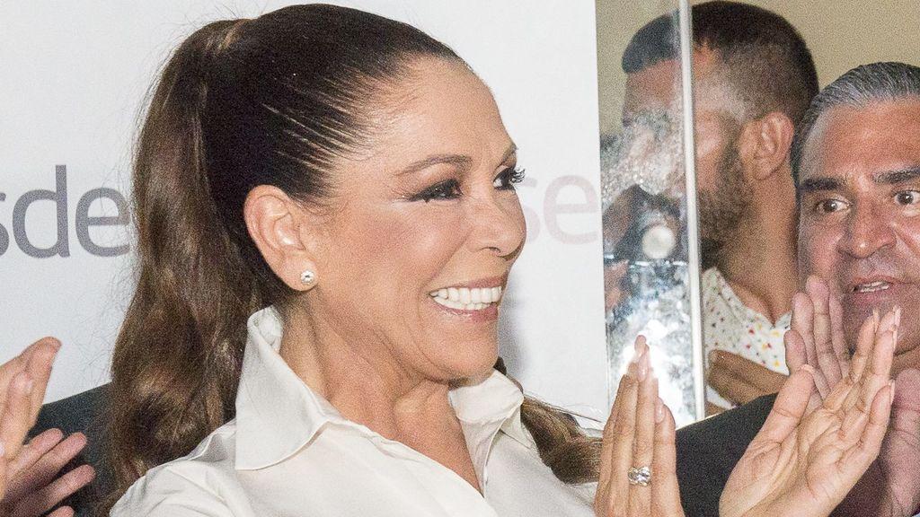 """La tierna felicitación de cumpleaños de Isabel Pantoja a Kiko Rivera, su """"pequeño del alma"""""""