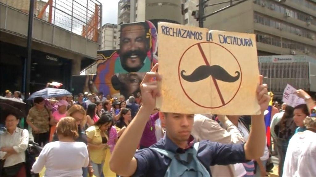 Detenido un joven español en Venezuela desde el día en que Guaidó se autoproclamó presidente