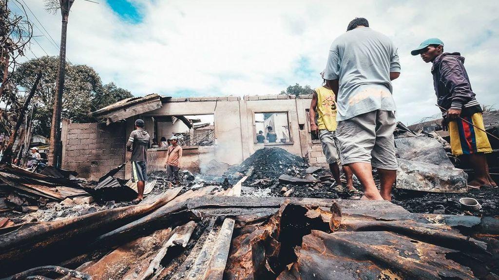 Mueren tres menores que estaban solos en casa en un incendio en Filipinas