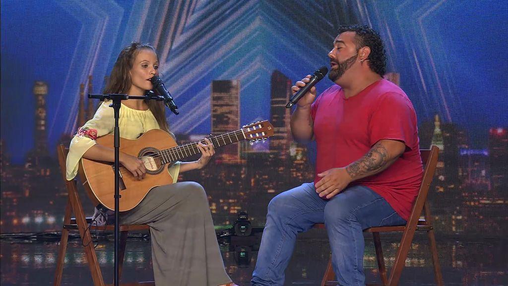 La preciosa canción de Sara y Kike para animar a su pequeña Lucía a que luche contra el cáncer