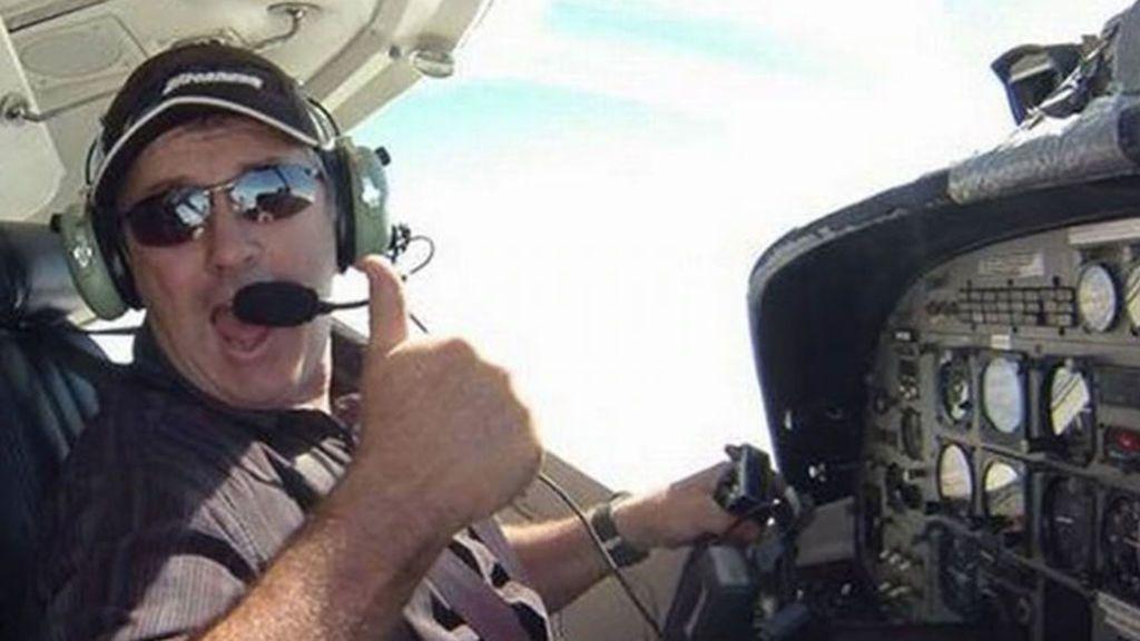 La familia del piloto que llevaba a Emiliano Sala quiere que siga la búsqueda hasta encontrale