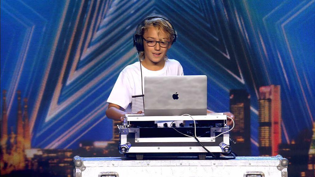 Iván Abramo, un DJ de 11 años que deja a Edurne loca con su mezcla de 'Amanecer'