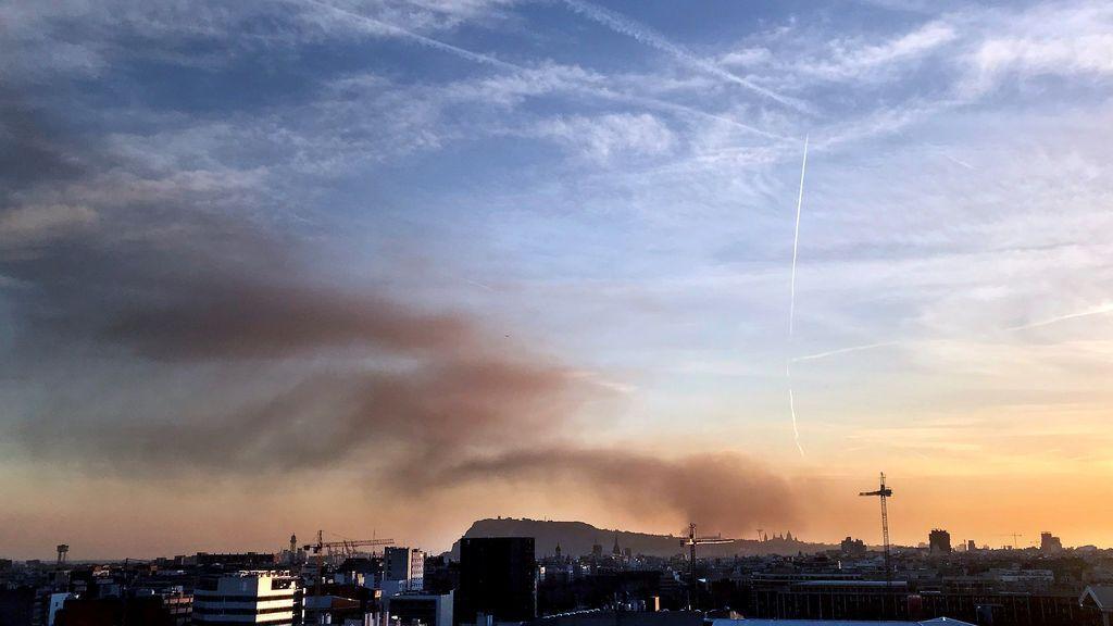 Espectacular incendio en el Museo de Seat de Barcelona