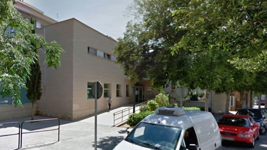 Hallan a un hombre de 50 años muerto desde hacía dos días en un baño de un centro de salud de Castellón