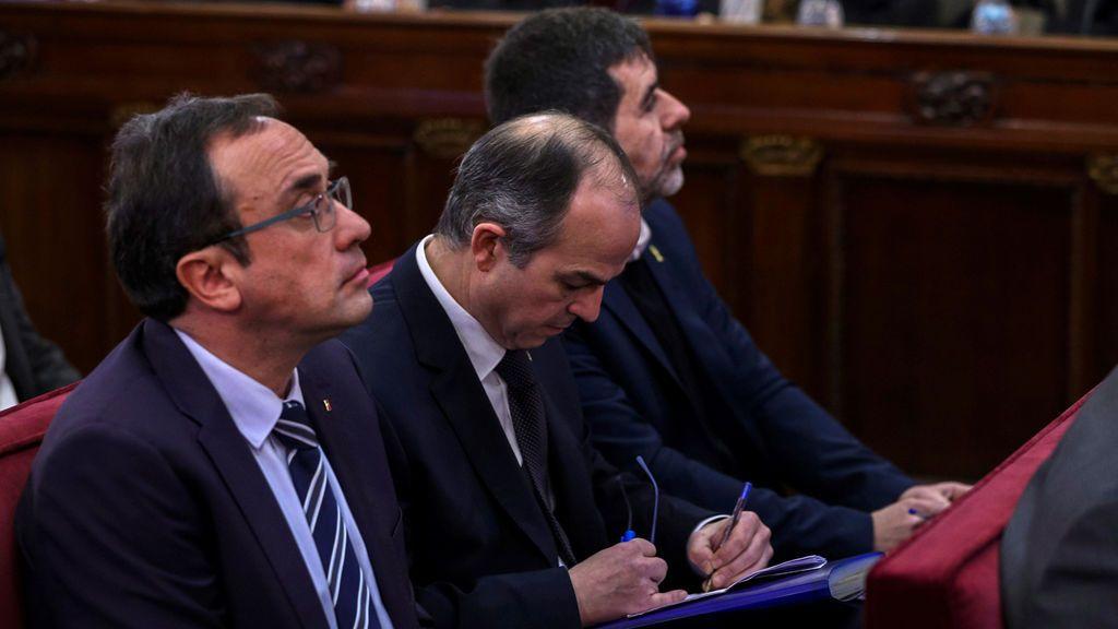 La defensa de Rull, Turull Y Sánchez se acuerda del huido Puigdemont para defender la puesta en libertad de sus clientes