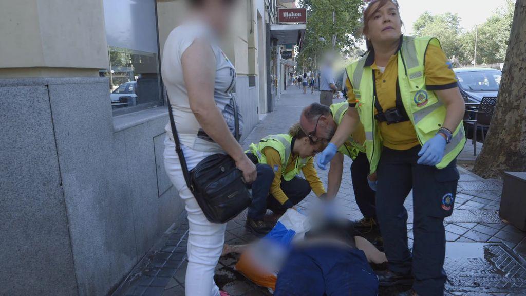 El Samur se enfrenta a un cóctel explosivo que puede acabar muy mal: alcohol, drogas y una peligrosa caída