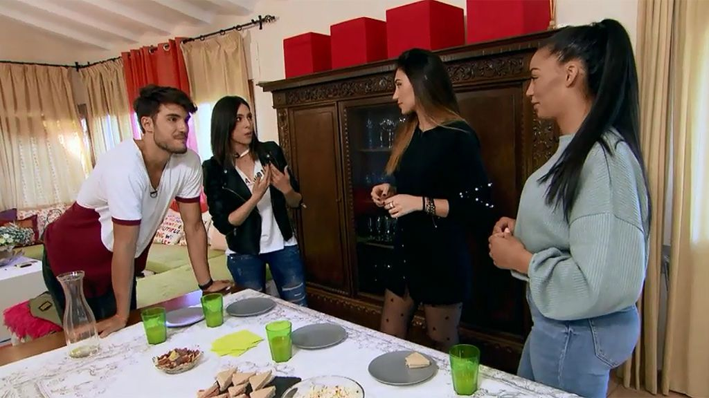 Vídeo inédito: Jesús invita a merendar a Imi, Manyara y Marina