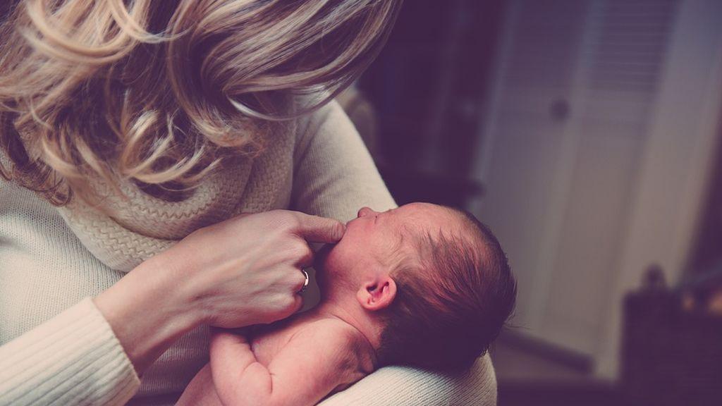 La OCU encuentra defectos en productos para labios de bebés
