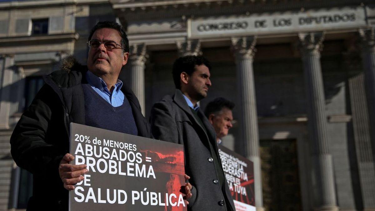 Víctimas de abusos piden con 520.000 firmas que el Gobierno actúe legalmente contra la Iglesia