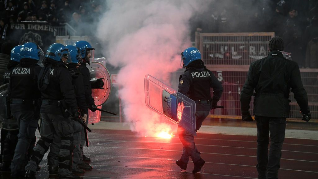 Dos aficionados del Sevilla apuñalados Roma tras una pelea con ultras de la Lazio
