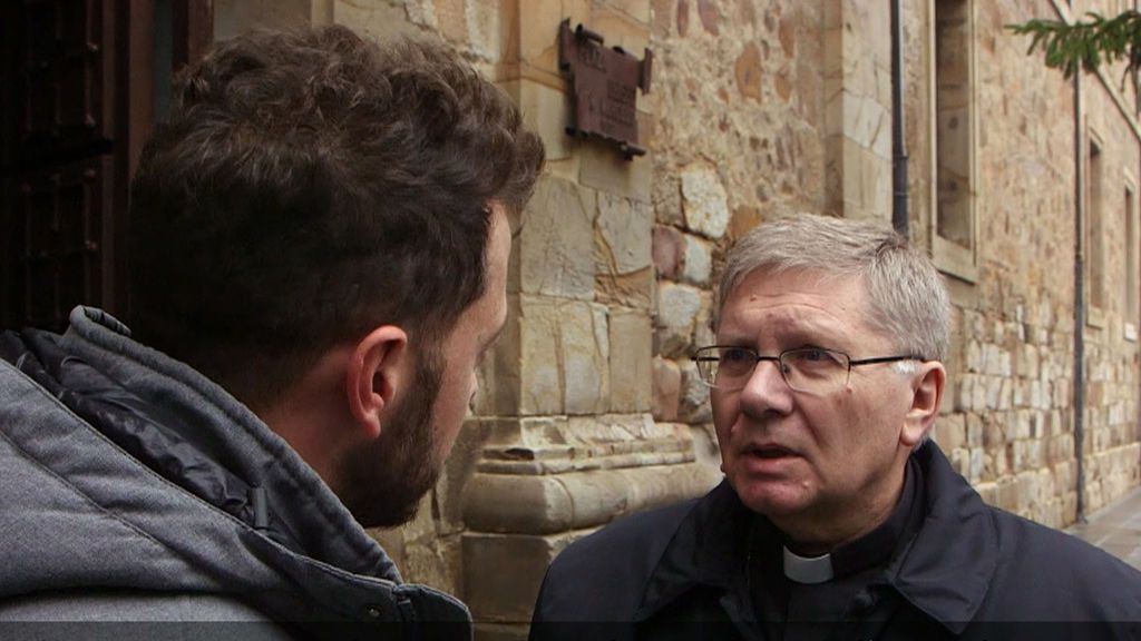Las víctimas aseguran que la cabeza de la diócesis de Astorga conocía los abusos de la Bañeza