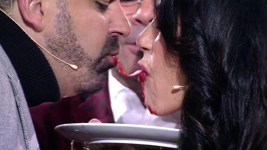 ¡El primer beso en la boca de Julio Ruz y Maite Galdeano!