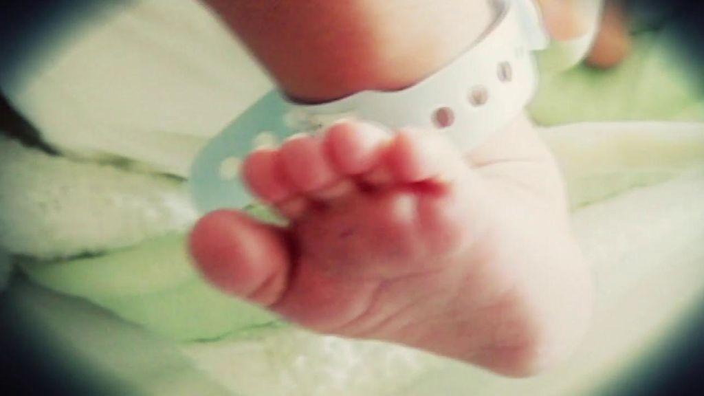 """El entorno de la pareja detenida por maltratar  a su bebé niega los hechos: """"No ha podido recibir más amor"""""""