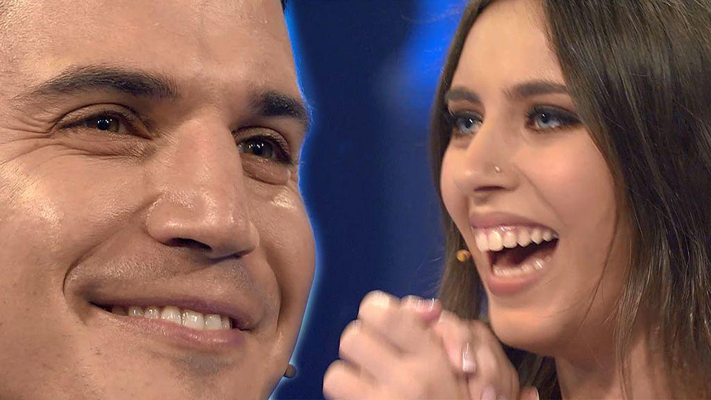 """Isabel chilla de emoción al reconocer a Álex González tras el pantallón: """"Te como la cara"""""""
