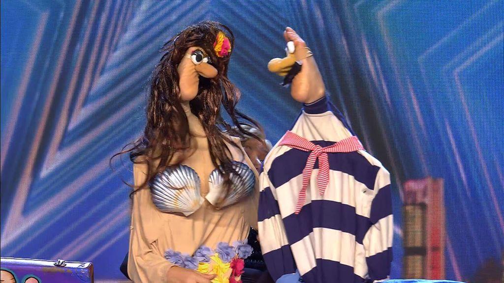 Lo nunca visto: Boguslaw puede clavar clavos con las manos y Verónica, hacer teatro con los pies